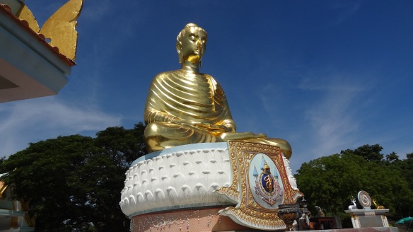 The huge Buddha sat below the Wat Tang Sai Temple
