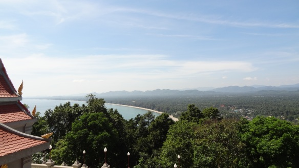 ....and the southbound view. Our resort was slap bang in the middle of this long bay :)