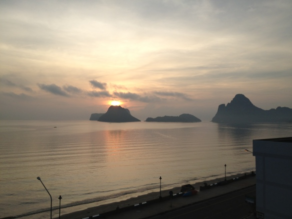 Another beautiful sunrise over the Gulf of Thailand - wish I could wake up to this every day.