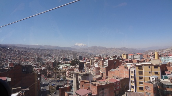 ...and the view back across the city towards the centre. Illimani dominates the backdrop, even if it is over 50 miles away!